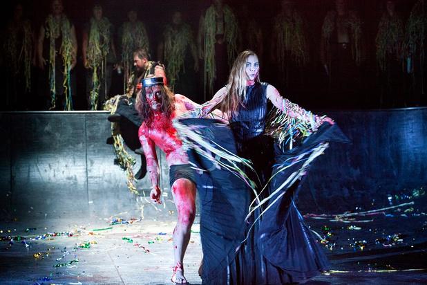 'Macbeth' van Opera Vlaanderen trekt op als een Lamborghini