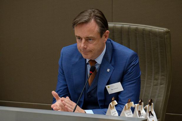 Formation flamande: De Wever reprend ses discussions en recevant en premier lieu le Vlaams Belang