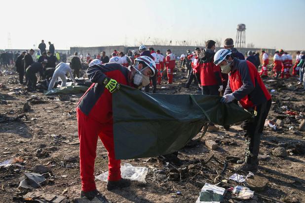 Vliegtuigcrash in Teheran: 'Toestel waarschijnlijk neergeschoten'