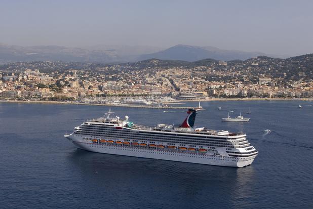 Au large de Cannes, les navires de croisière devront être moins polluants
