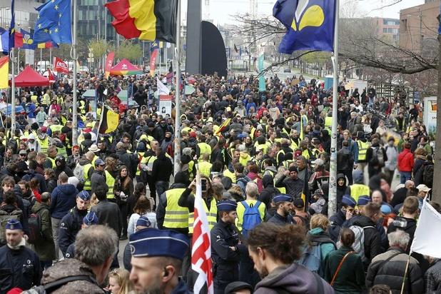 Climat: Plus de 7.000 manifestants à Liège et 8.000 à Bruxelles