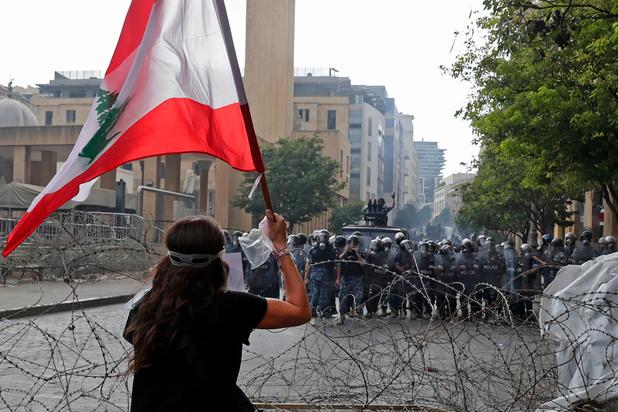 Manifestations à Beyrouth, le Premier ministre propose des élections anticipées