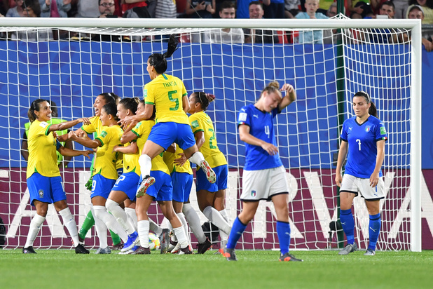 Le Brésil bat l'Italie, termine 3e du groupe C et file en 8es