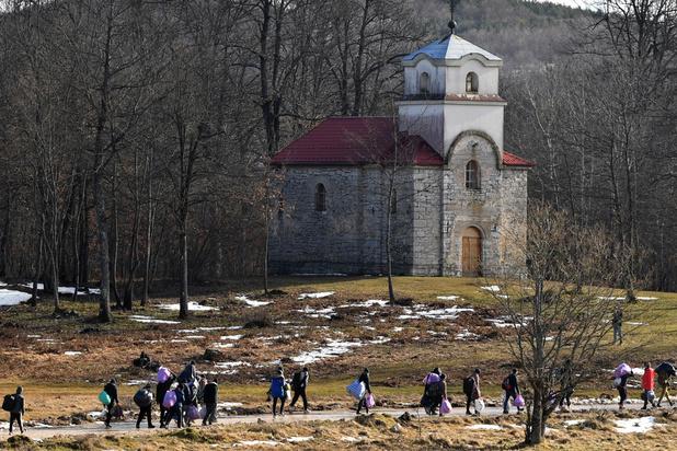 """L'UE dénonce les conditions """"inacceptables"""" pour les migrants en Bosnie"""