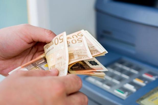 ING devient la première banque à faire payer les retraits depuis ses propres distributeurs