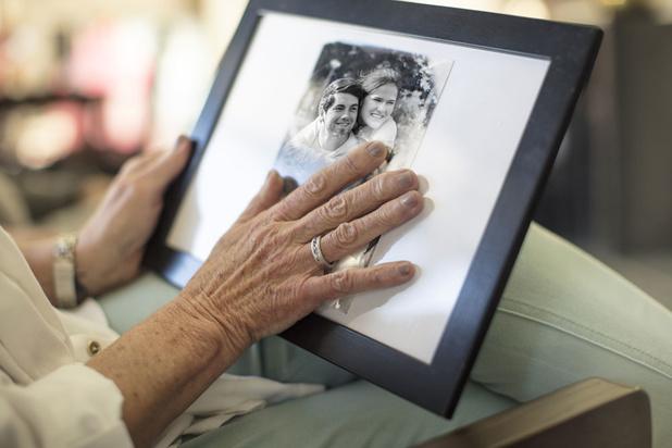 Ouderen zijn beter opgewassen tegen eenzaamheid als ze hun leeftijd kunnen aanvaarden