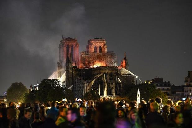 """La structure de Notre-Dame """"est sauvée et préservée dans sa globalité"""""""