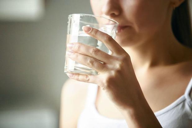 Cinq signes qui montrent que vous ne buvez pas assez d'eau