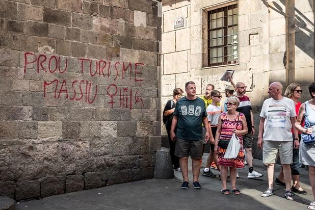 Comportement irrespectueux des touristes à travers le monde: le tourisme est devenu l'illusion du plaisir débridé