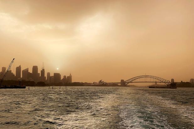 Sydney gehuld in giftige nevel terwijl brandweer zich schrap zet voor nog meer brandgevaar