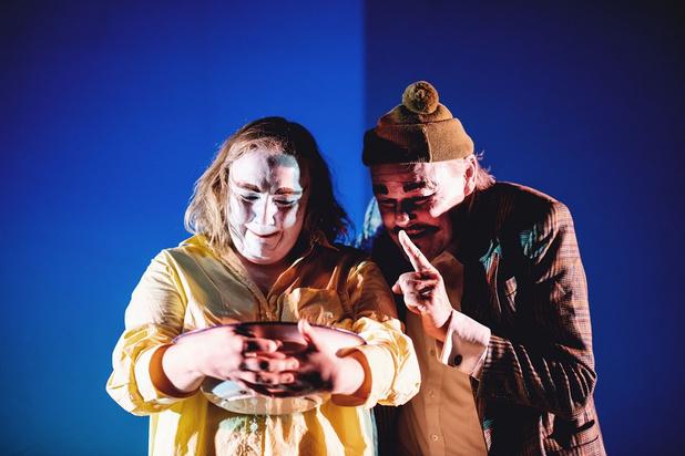 Joke Emmers en Jos Verbist ontroeren in 'Paling' van Theater Antigone