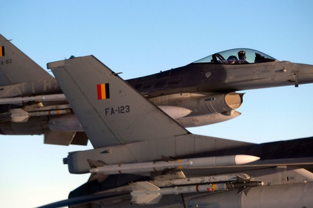 Defensie vraagt regeringsbeslissing tegen zomer over inzet F-16's tegen Islamitische Staat