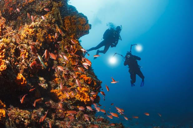 Un trek de quatre semaines sous la mer à 120 m de profondeur