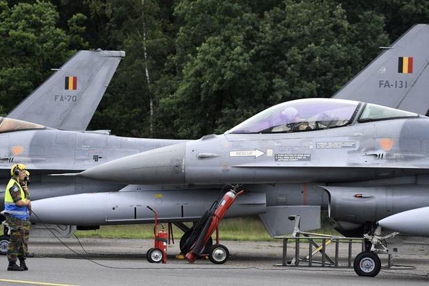 Lutte contre l'Etat islamique: la société civile demande davantage de transparence au gouvernement à propos des F-16 belges