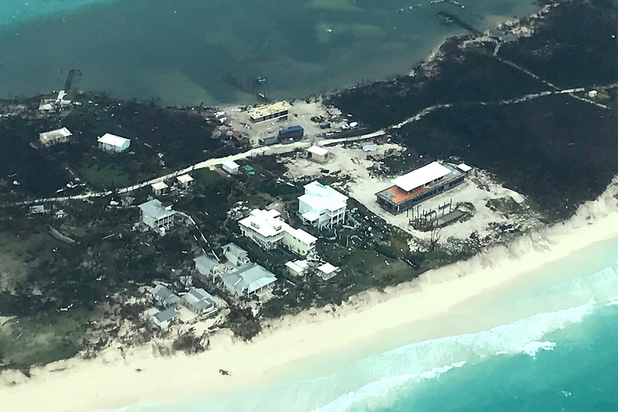 L'ouragan Dorian se dirige vers les Etats-Unis après avoir semé la mort aux Bahamas