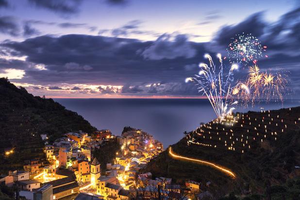 Cinque Terre: Les lumières de la Nativité embrasent la côte, en honneur au personnel soignant