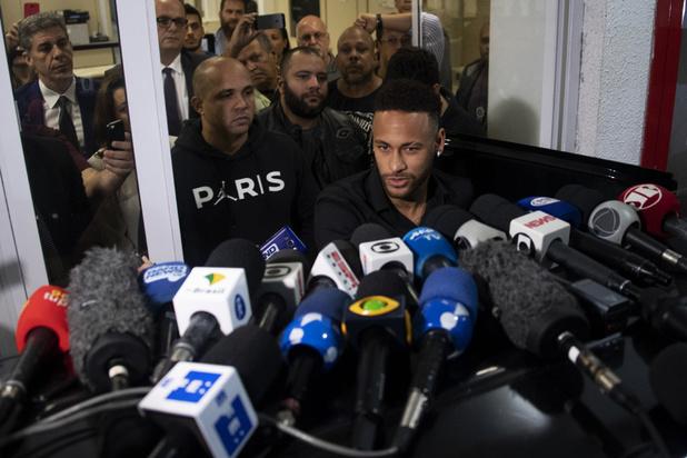 Neymar door Braziliaanse politie verhoord in verkrachtingszaak