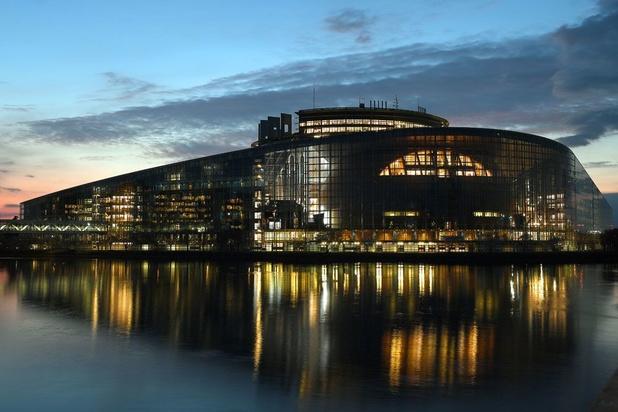 Le Parlement européen, les pieds à Strasbourg, la tête à Bruxelles
