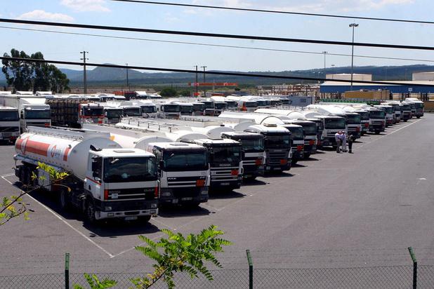 Portugal: escorte pour ravitailler les stations-services au début d'une grève de transporteurs
