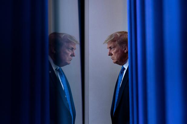 """USA: en difficulté, Trump invoque la """"majorité silencieuse"""" à 100 jours de la présidentielle"""