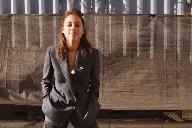 Jonge onderneemster Nina Maat zet circulaire mode op de kaart met kledingruil