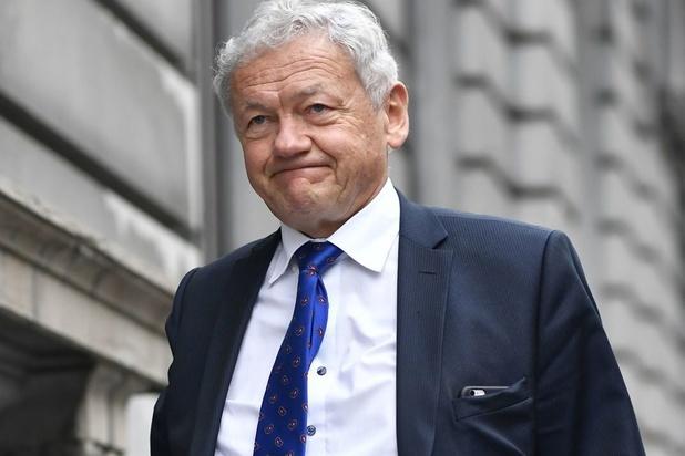 Bruxelles menace de saisir 3,2 millions dans le dossier du survol