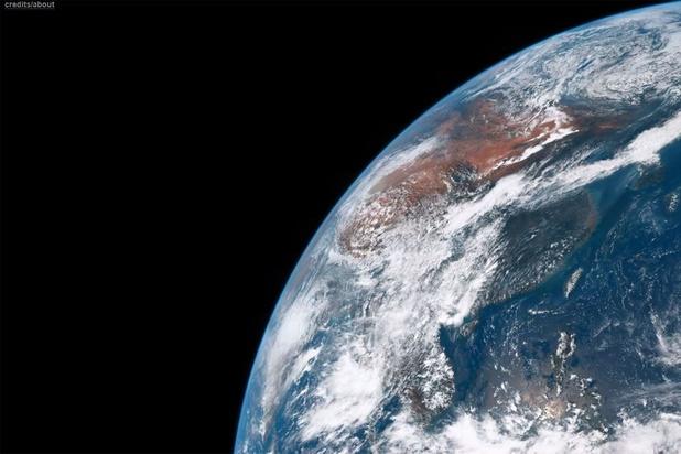 Débris, constellations et satellites-espions: l'enjeu de la surveillance de l'espace