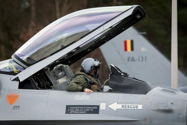 Defensie houdt deel F-16-vloot aan grond vanwege motorproblemen