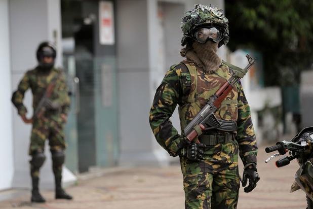 Vijftien doden na explosies bij inval Sri Lanka