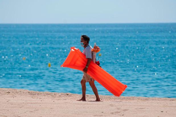 Bronzage : l'Espagne n'imposera pas le masque à la plage