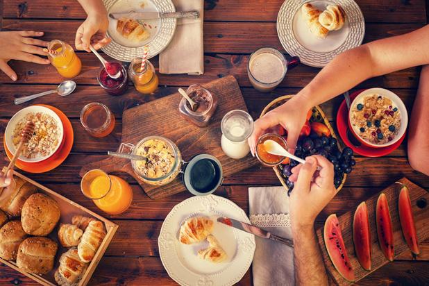 Quatre idées de petit déjeuner à essayer pendant le confinement