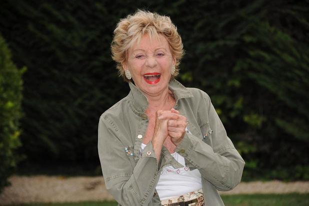 Pluie d'hommages à la chanteuse Annie Cordy