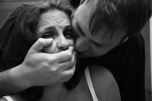 Quatre viols collectifs sont déclarés en moyenne chaque semaine en Belgique