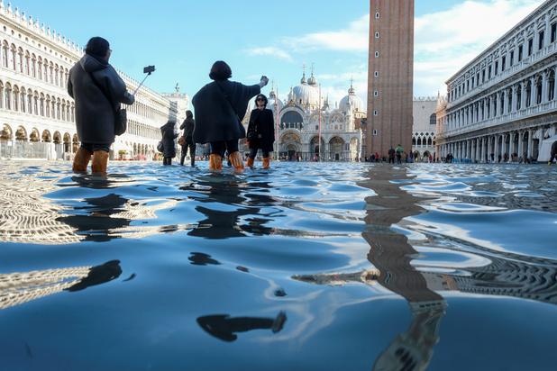 Venise sur le qui-vive ferme l'accès à la Place Saint-Marc