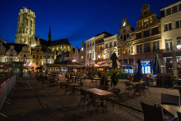 Le couvre-feu et l'obligation de port du masque levés à Anvers à partir de minuit