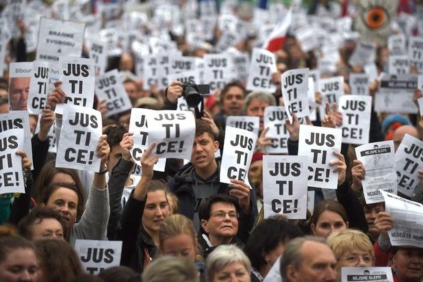 Duizenden Tsjechen protesteren voor onafhankelijke justitie