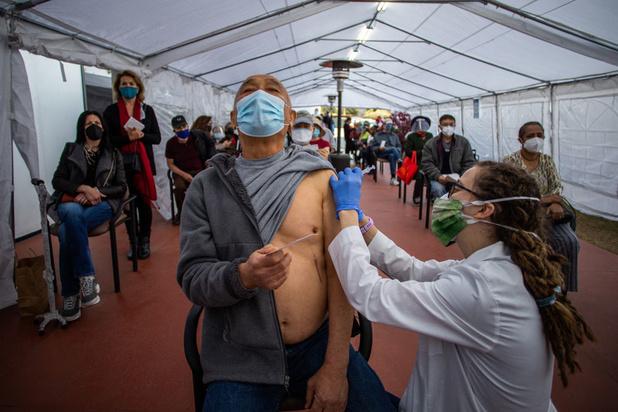 'Het geheim achter de snelle vaccinatie in de VS is hun ideologische flexibiliteit'