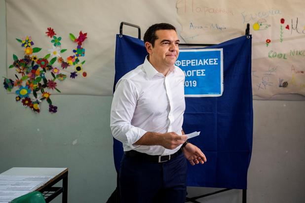 Griekse premier kondigt vervroegde parlementsverkiezingen aan na tegenvallend resultaat