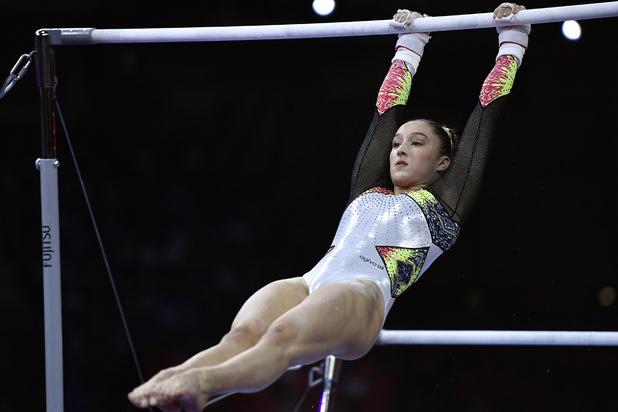 La Belge Nina Derwael conserve son titre de championne du monde aux barres asymétriques (vidéo)