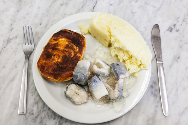 Foie aux oignons, anguille en gelée, panse de brebis... : la tradition culinaire britannique a du plomb dans l'aile
