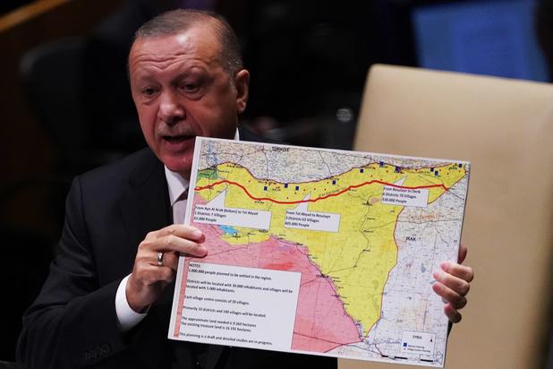 Turkse inval in Noord-Syrië is nakend, VS trekken zich terug