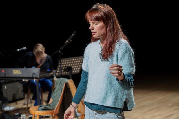 De voorstelling 'Een pleidooi voor zelfmoord' van Jozefien Mombaerts is een tedere kreet