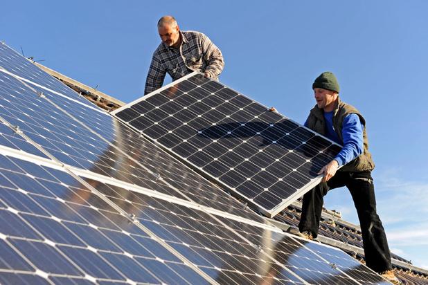 Zonne-energie heeft wind in de zeilen