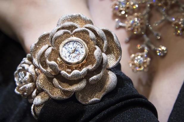 La montre aux près de 16.000 diamants