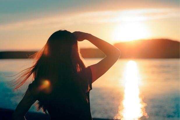 Pourquoi les premiers rayons de soleil nous rendent-ils si extatiques ?