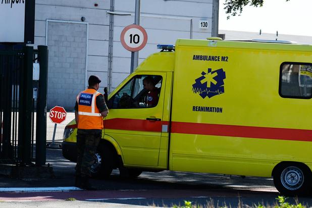 Ambulanciers vragen Maggie De Block verplichte cursus prioriteir rijden