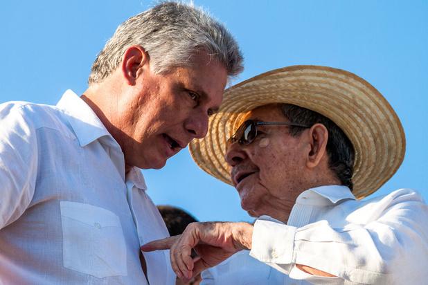 Cuba: Miguel Diaz-Canel gravit la dernière marche du pouvoir