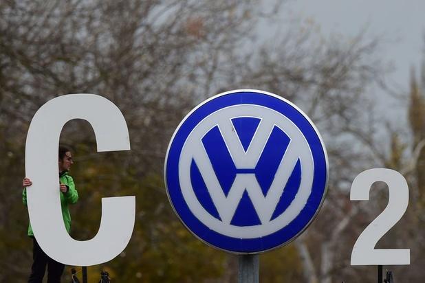 Tricherie anti-pollution: Volkswagen affronte ses clients devant la justice allemande