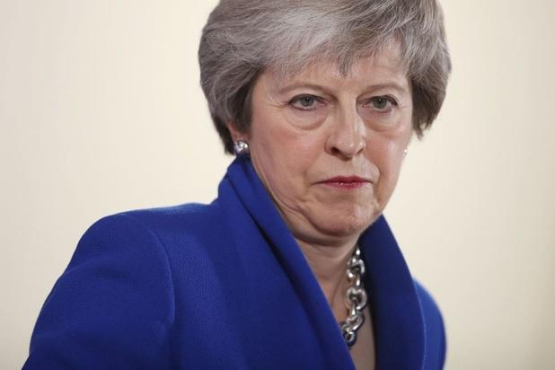 Theresa May tente tous azimuts de sauver son plan critiqué sur le Brexit