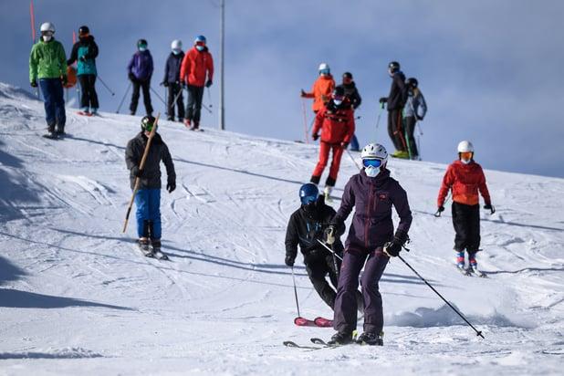 Les Suisses pourront skier à Noël, mais avec des restrictions